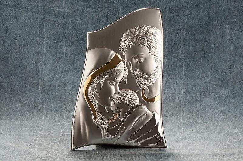 Icona Sacra Famiglia in argento, con decoro in oro zecchino, cm 22 x 34.